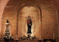 Szent Anna templom lorettói kápolnája, kegyszobrok, 2013.12.10